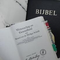 De Bijbel en Wetenschap en Gezondheid